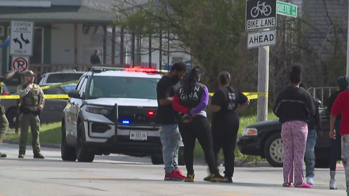 Counselors working with Davenport students to cope with classmate's shooting