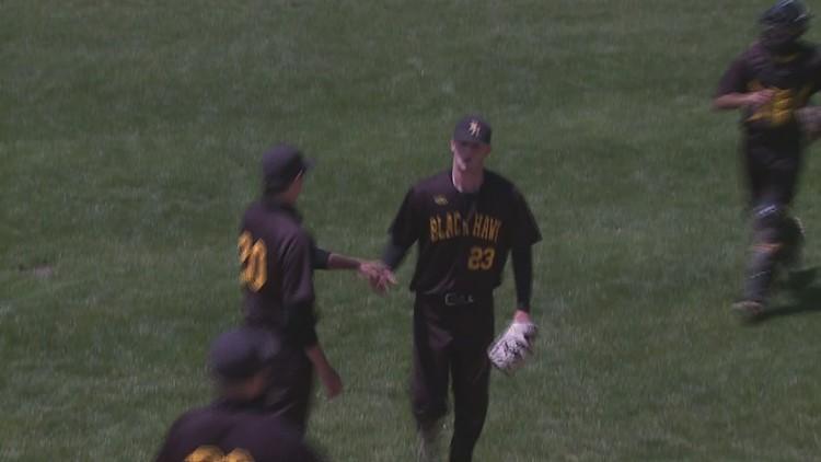 Black Hawk Baseball takes game 1 over Morton CC