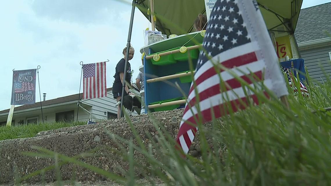 Bettendorf kids use their lemonade stand to raise money for veterans