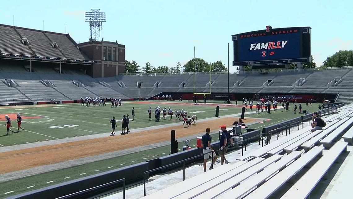 Illinois Kicks off Football Practice