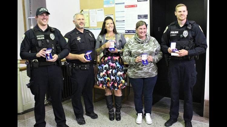 5 Muscatine police officers recognized with awards for saving lives