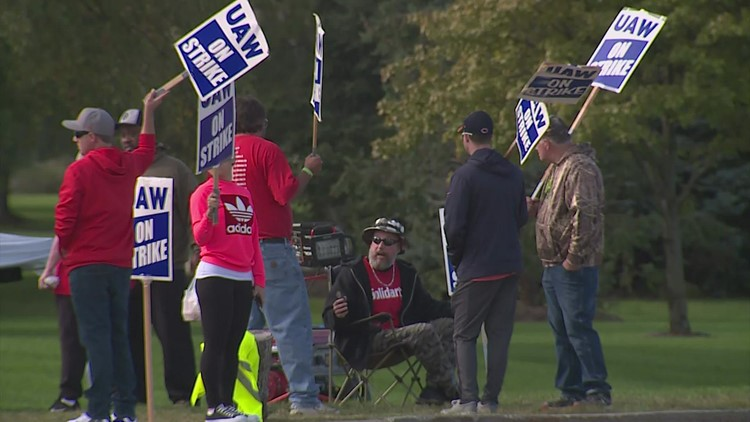 John Deere UAW Strike Day 6