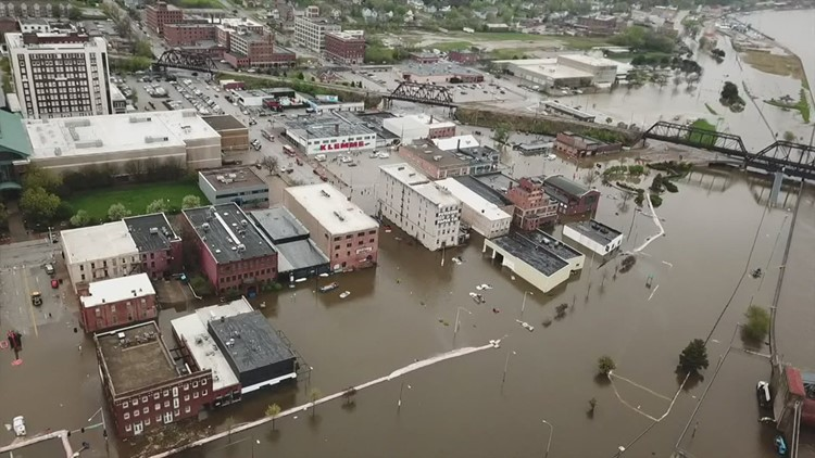 Davenport Alderman frustrated over city's flood protection plans, saying they're not high enough for future disasters