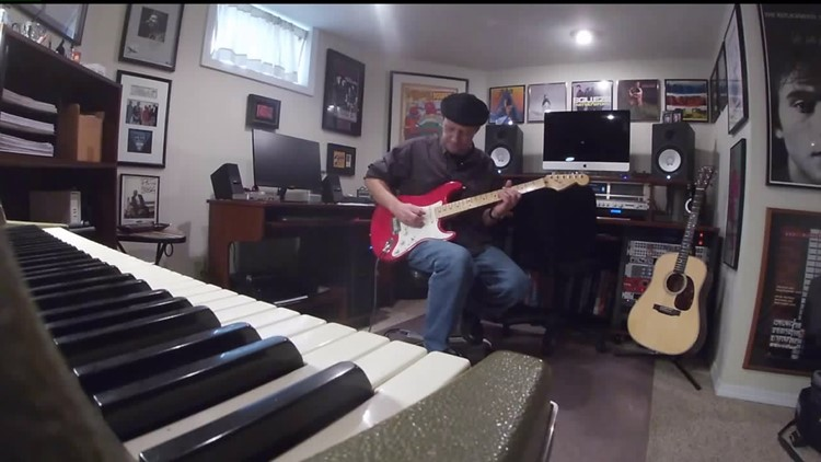 Let`s Move Quad Cities: Local rockstar back to jamming after excruciating wrist pain