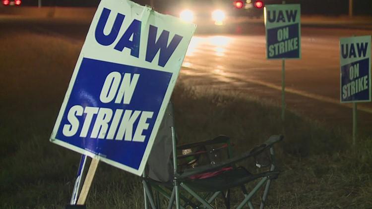 John Deere union workers begin voting on direct UAW representation
