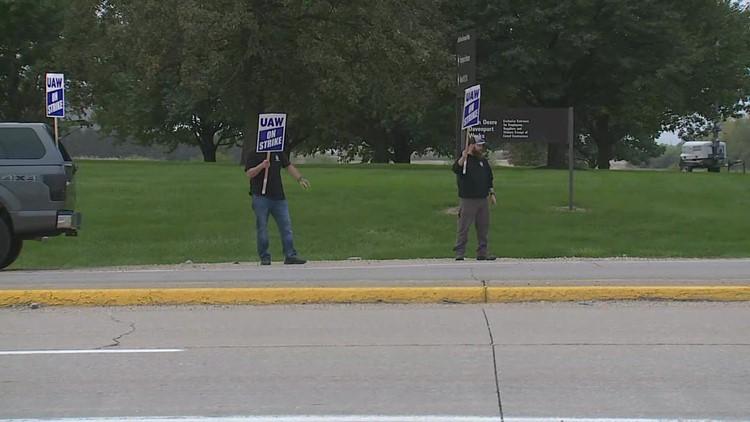 Deere is granted temporary injunction against strikers