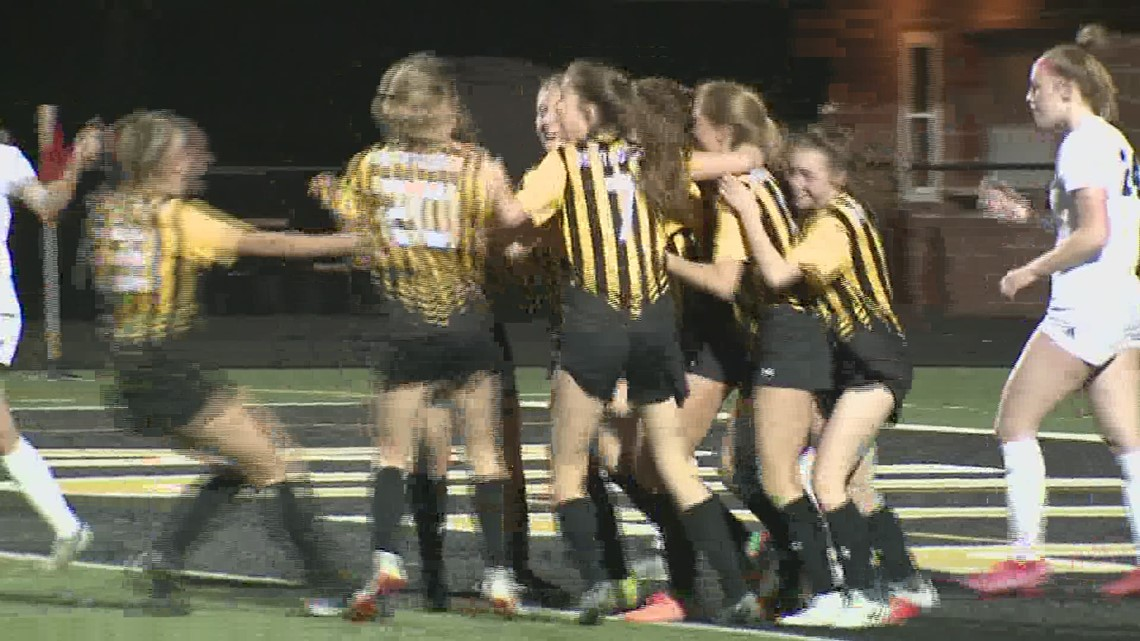Bettendorf upsets Pleasant Valley in soccer