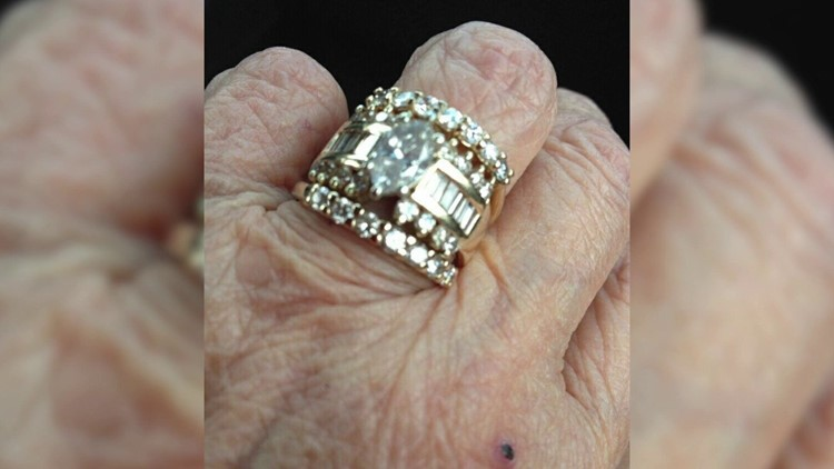 Pawn Shop That Bought Dying 78 Year Old S Stolen Wedding Ring
