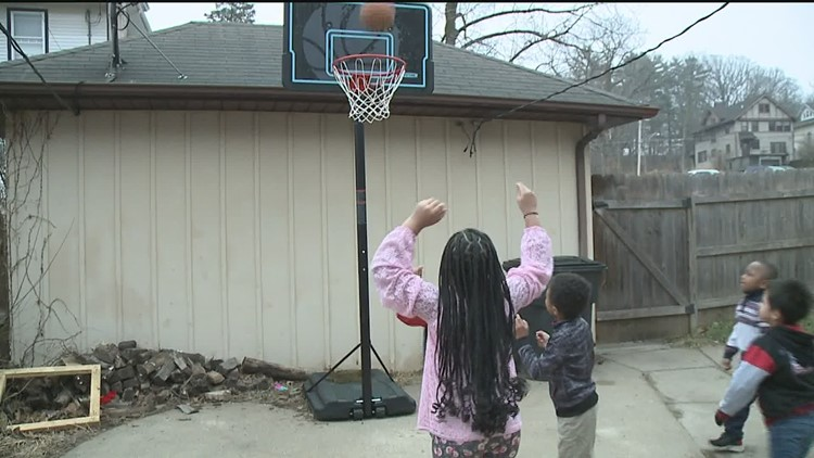 Pay It Forward recognizes local mom who opened up her home