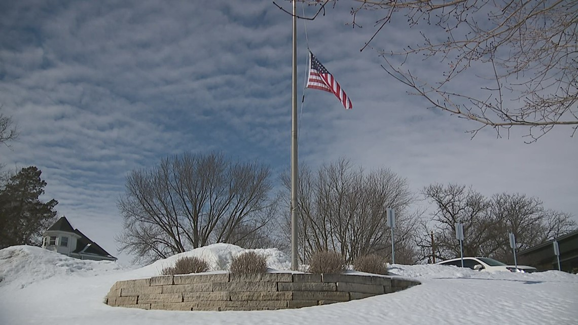 Iowa governor issues flag half staff order to honor COVID victims