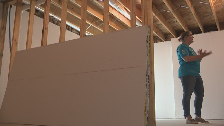 Habitat for Humanity welcomes family into new home