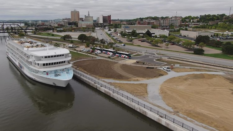 Riverboat cruises brought thousands of people to Quad Cities over the past five months