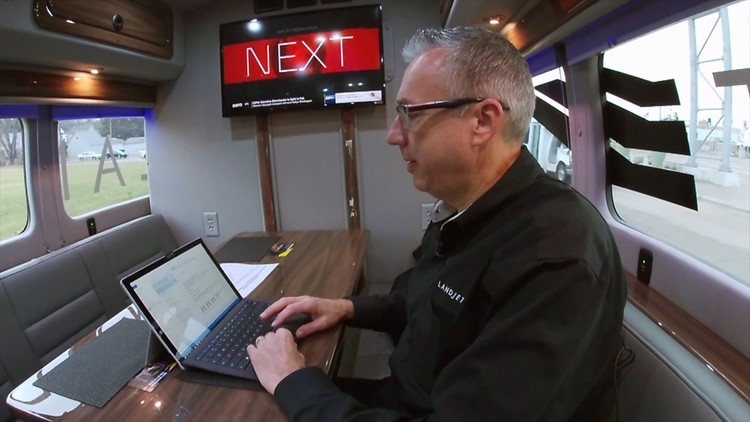 Bettendorf entrepreneur develops mobile work space for business people on the go