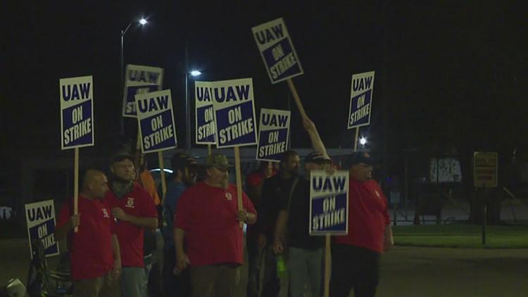 Support for John Deere strike saturates social media Thursday