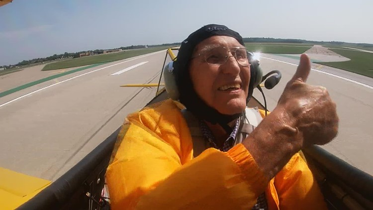'It was great!': 94-year-old Air Force veteran gets the ride of a lifetime