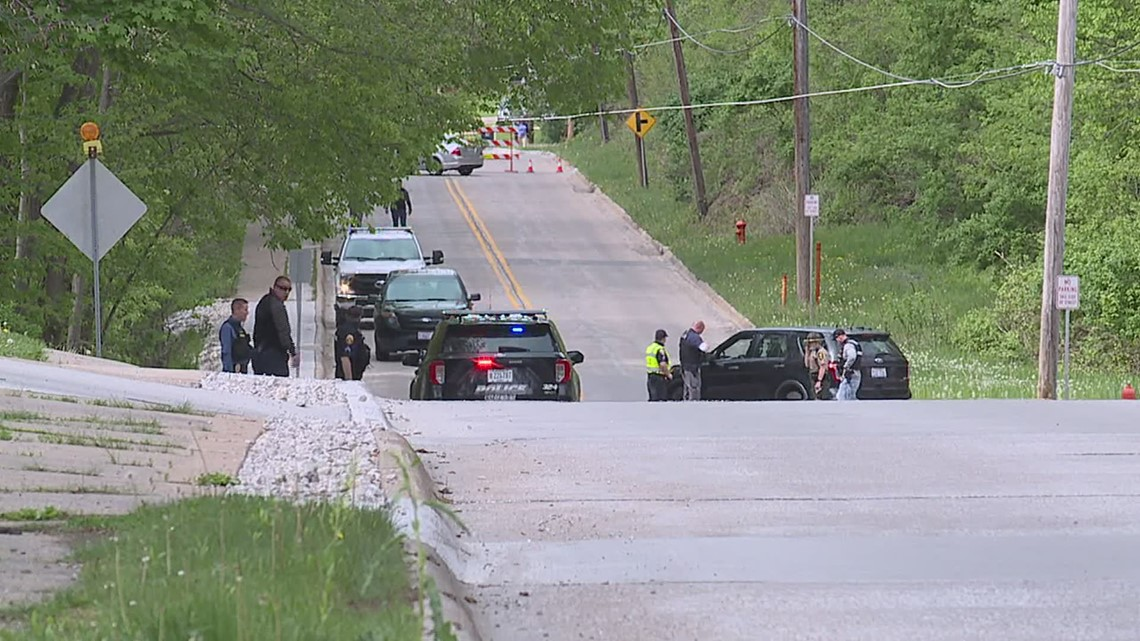 Moline police officer involved in fatal car-bicycle crash