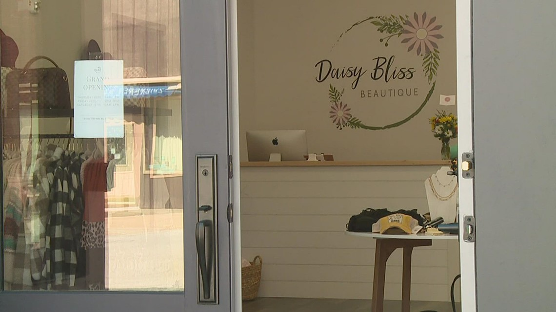 New boutique opens in Aledo, 3 years after store launched online