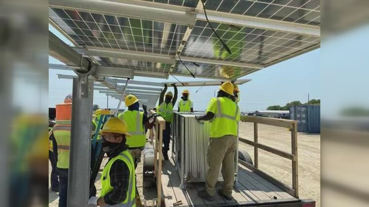 Wapello Solar field becomes state's largest as Iowa looks to diversify energy portfolio