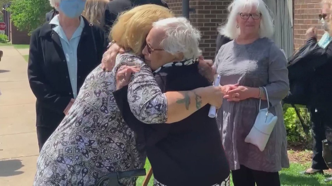 Illinois emergency shelter marks 38 years of service with surprise dedication to founder