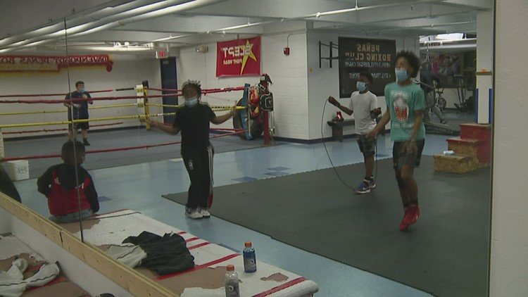 Pay It Forward recognizes Davenport Boxing Club owner making a difference for his students