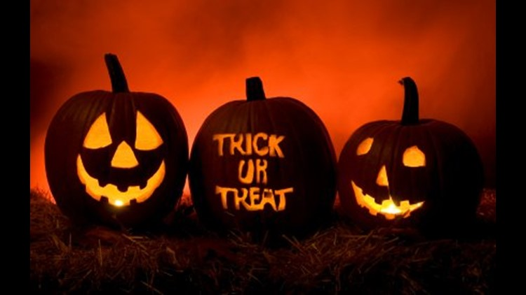 Davenport Halloween Collection Times 2020 Illinois & Iowa Halloween 2018 Trick Or Treat times | wqad.com