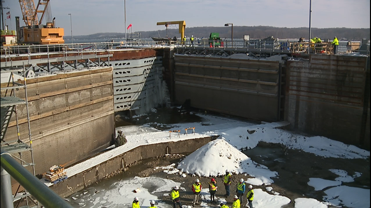 Watch: A glimpse of the bottom of the Mississippi River in drained Lock 14