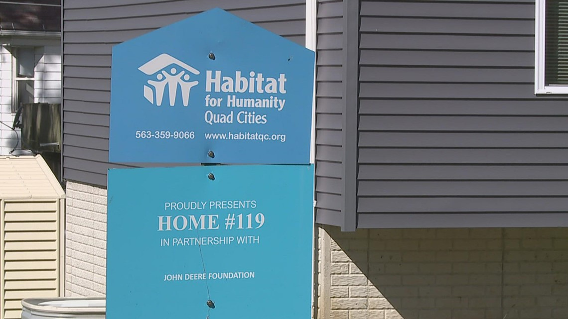 Habitat for Humanity welcomes family into new East Moline home