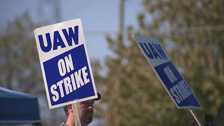 Deere & Co. agrees to provide healthcare, pay union workers earned incentives