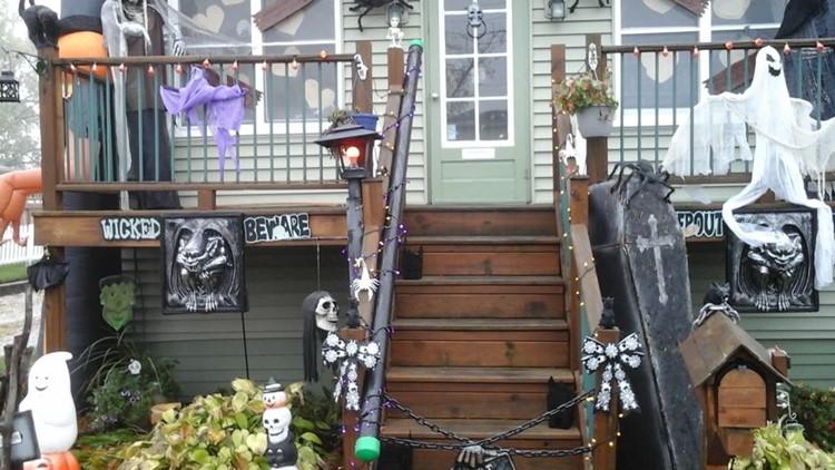 Neighborhood Halloween decorations 2020