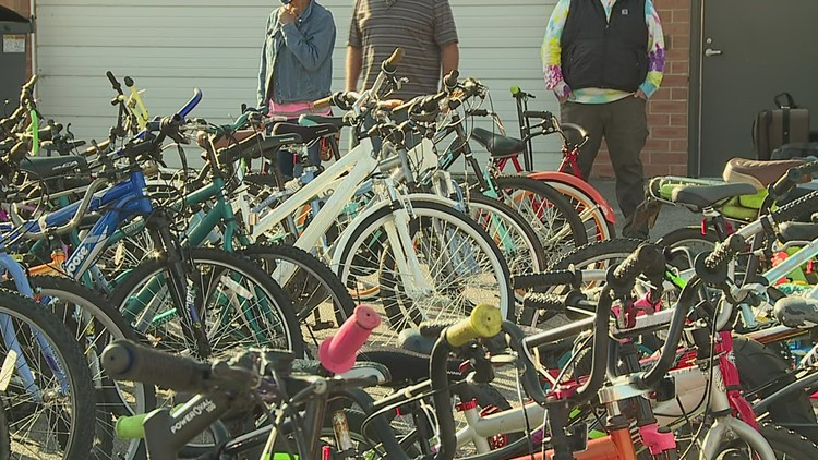 Rock Island Police auction off bikes, clothes, lawn mowers