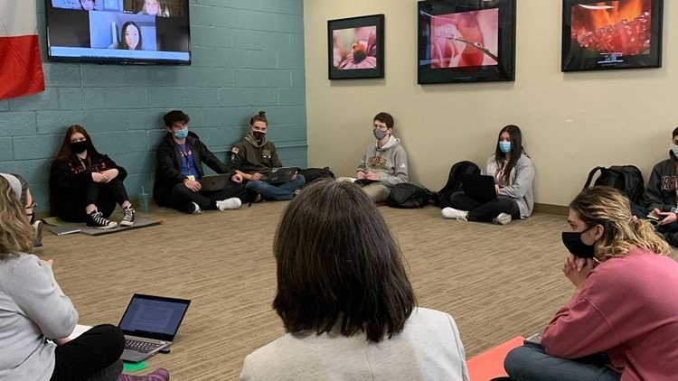 Best You: Students learn mindfulness, meditation in Brebeuf class