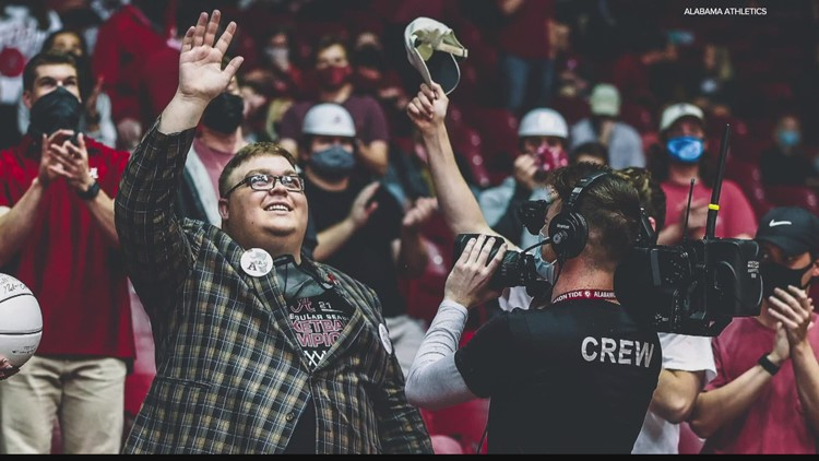 Alabama fan who attended NCAA Tournament in Indianapolis dies after returning home