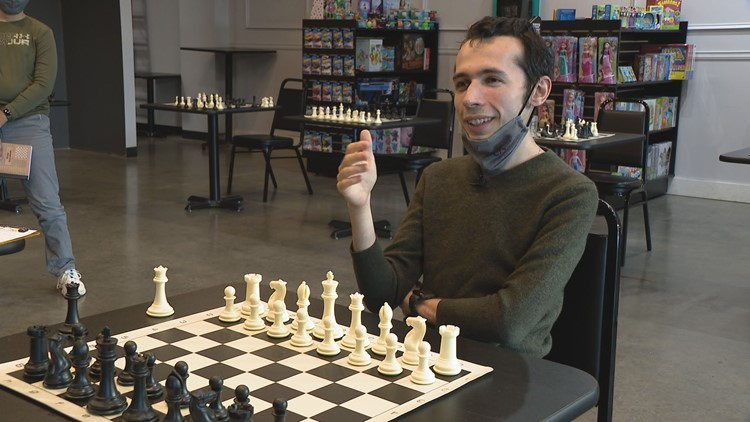 Top chess player in the world visits Indianapolis