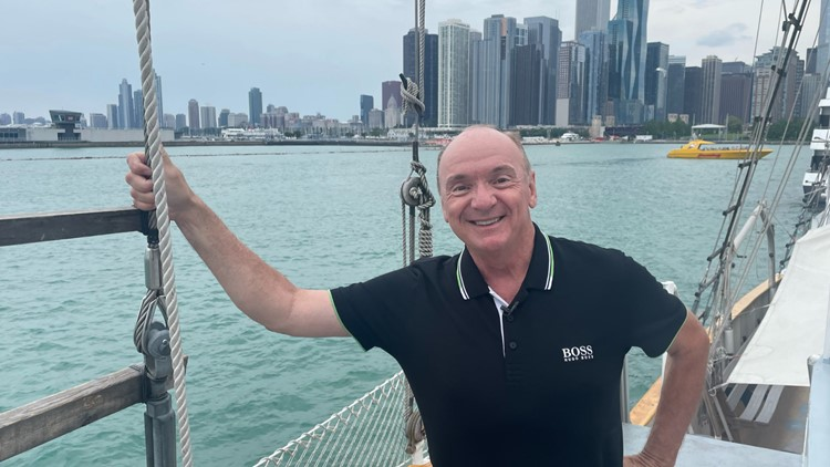 Chuck's Chicago Adventure: Sailing and paddling around the 'Windy City'