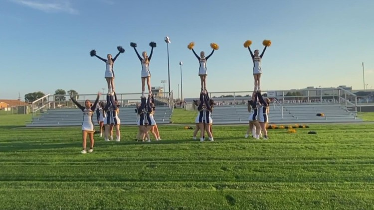 Operation Football Cheerleaders of the Week: Mooresville High School