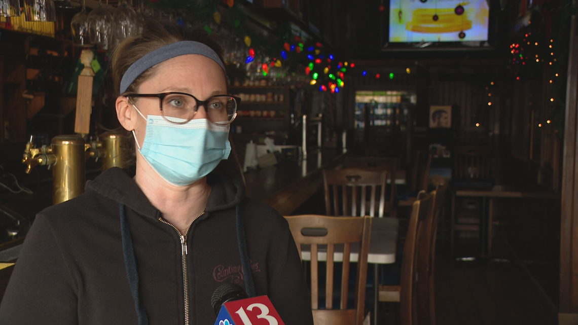 Inspiring Indiana: Restaurant owner looks to inspire kindness
