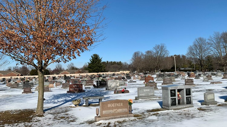 Kinks being worked out in delay of death certificates for Hoosiers