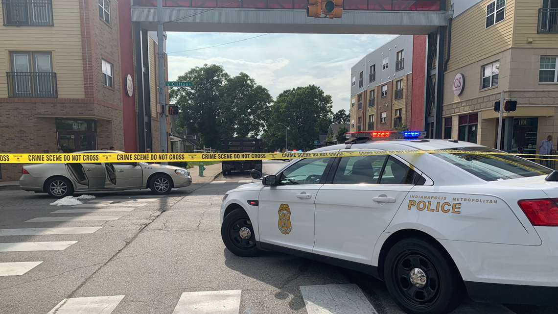5 injured in shooting outside Indy funeral home