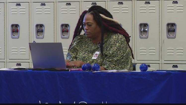 Northeast Indianapolis weekly job fair gets underway
