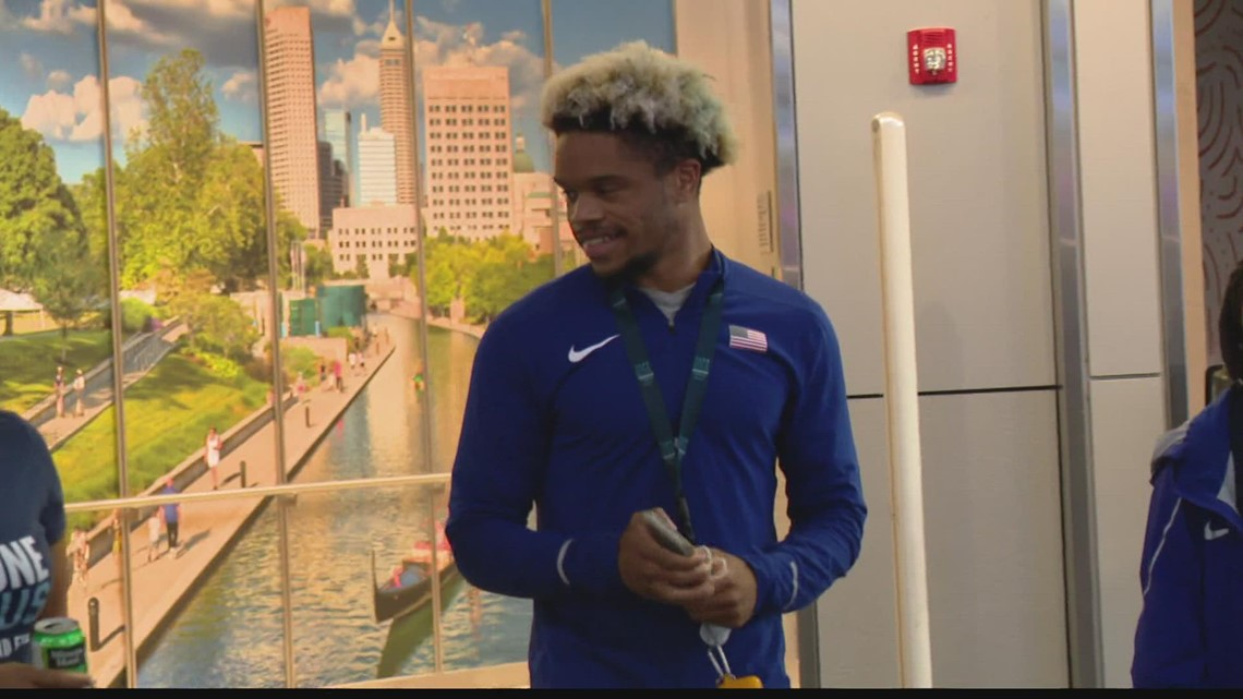 Paralympian Noah Malone gets surprise welcome home from Tokyo