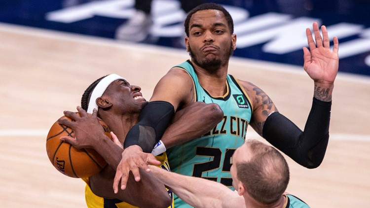 Short-handed Hornets rout slumping Pacers 114-97