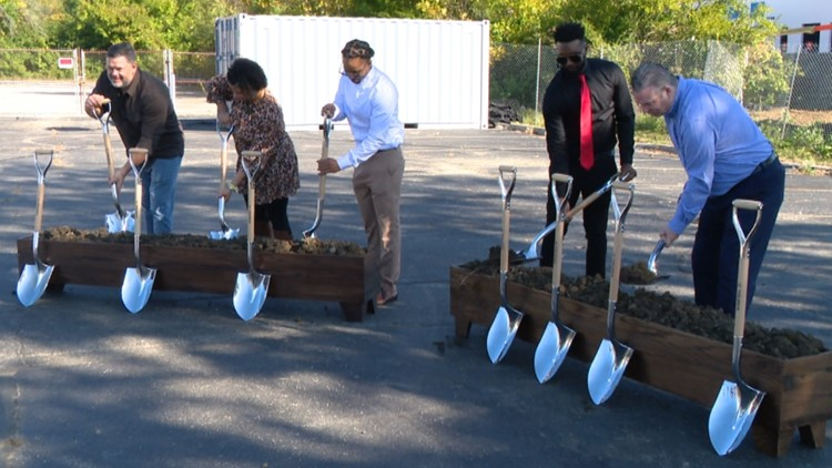 Global company builds grocery store, jobs in Indy food desert