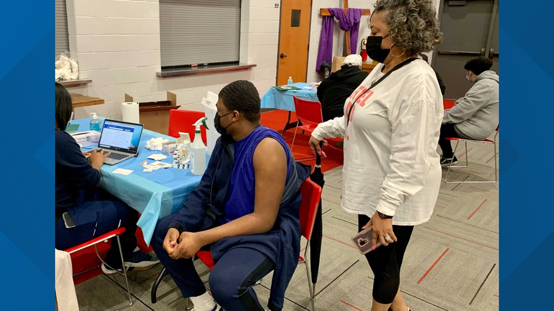 Pop-up vaccine clinic focuses on Indianapolis teens