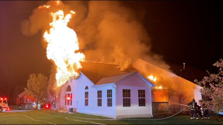 Fire causes extensive damage to Bargersville duplex
