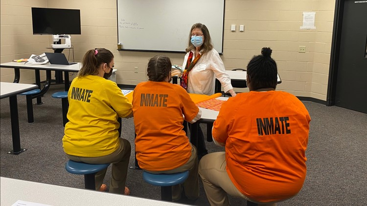 Hamilton County inmates learn sewing, business skills for life after jail