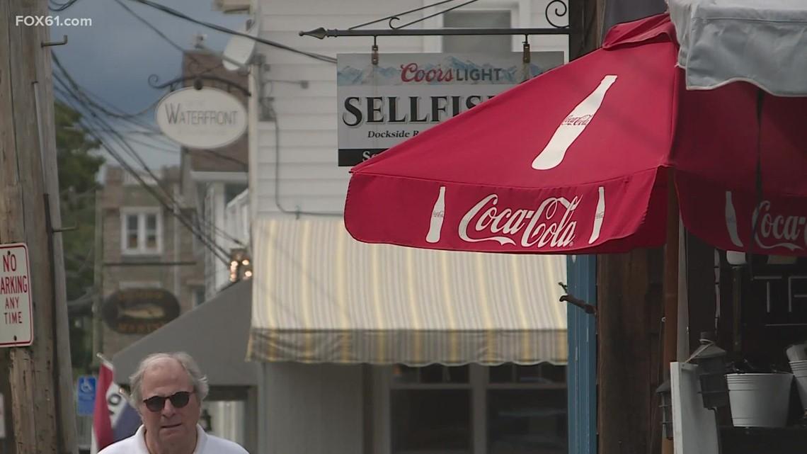 Connecticut shoreline businesses react as Henri approaches