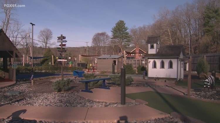 CT Bucket List: Matterhorn Mini Golf in Canton