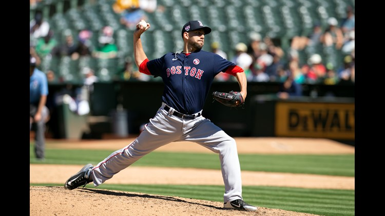 Red Sox sign reliever Matt Barnes to 2-year deal