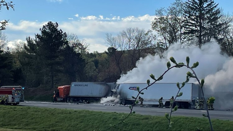 I-84 East in Vernon reopens after tractor trailer crash