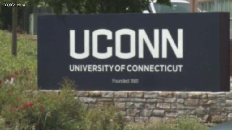 Senior Isaiah Whaley to return to UConn for another year